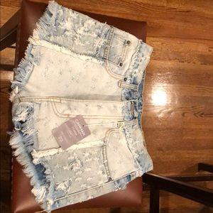 NWT LF/Carmar Titania high rise jean shorts 23